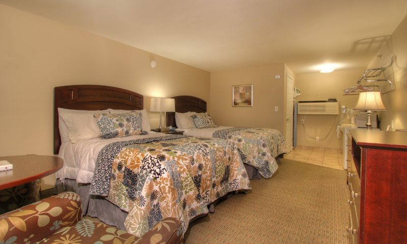 Wells Ogunquit Maine Queen Bed Guest Rooms